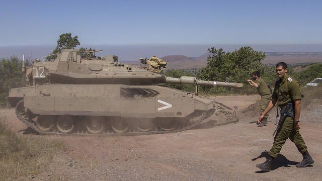 תגבור כוחות שיריון גבול סוריה ישראל (צילום: עידו ארז)