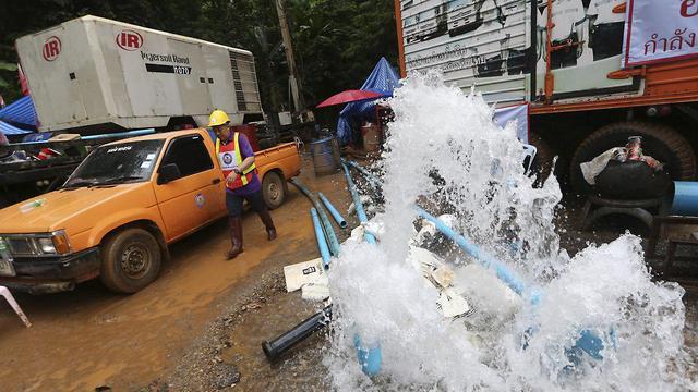 זירת חילוץ הנערים בתאילנד (צילום: AP)