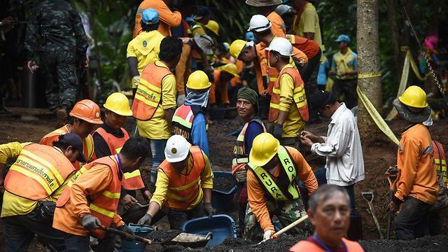 Поисково-спасательная операция в Таиланде. Фото: AFP
