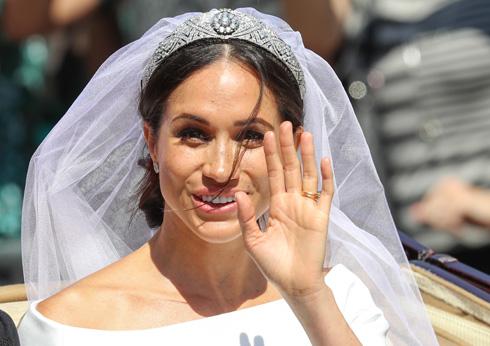מתחתנת עם לחמניה מבולגנת  (צילום: GettyimagesIL)