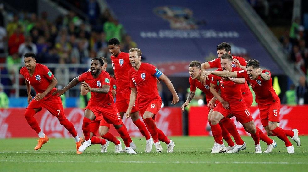 שחקני נבחרת אנגליה חוגגים (צילום: רויטרס)