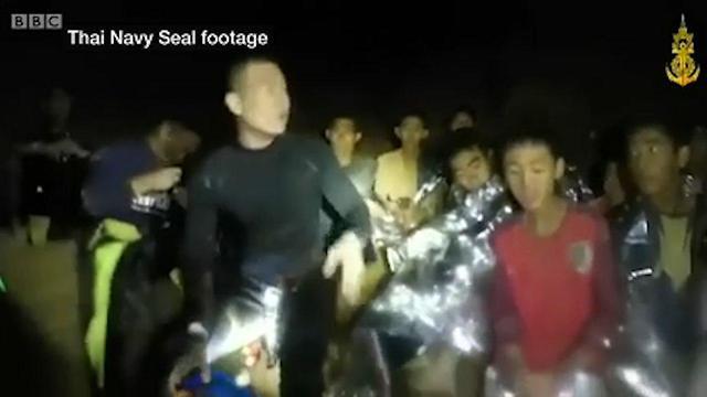 Кадр первой видеозаписи из пещеры. Фото: BBC