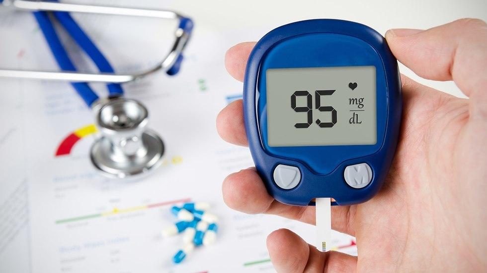 עזרים למדידת אינסולין בדם ()