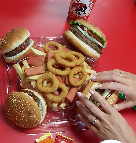 """טעם נוסטלגי שלא משתנה. ההמבורגר של בורגר ראנץ' (צילום: יח""""צ)"""