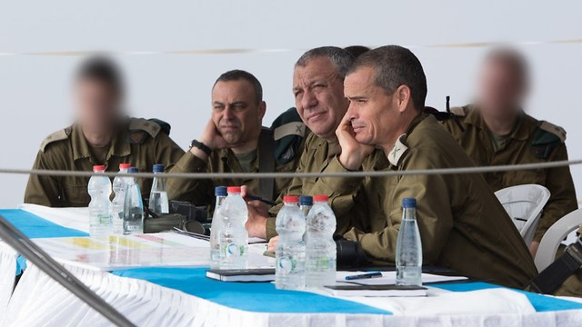 Eisenkot holds a situation evaluation in the Golan Heights  (Photo: IDF's Spokesperson's Unit)