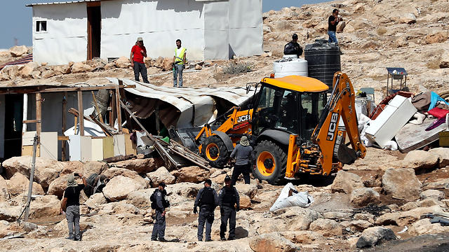 Khan al-Ahmar demolition (Photo: AFP)