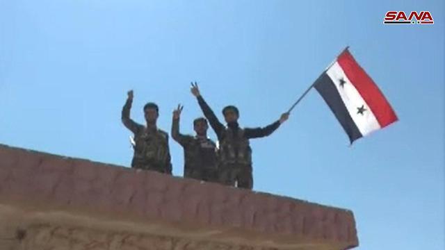 כוחות צבא סוריה במעבר נסיב ()