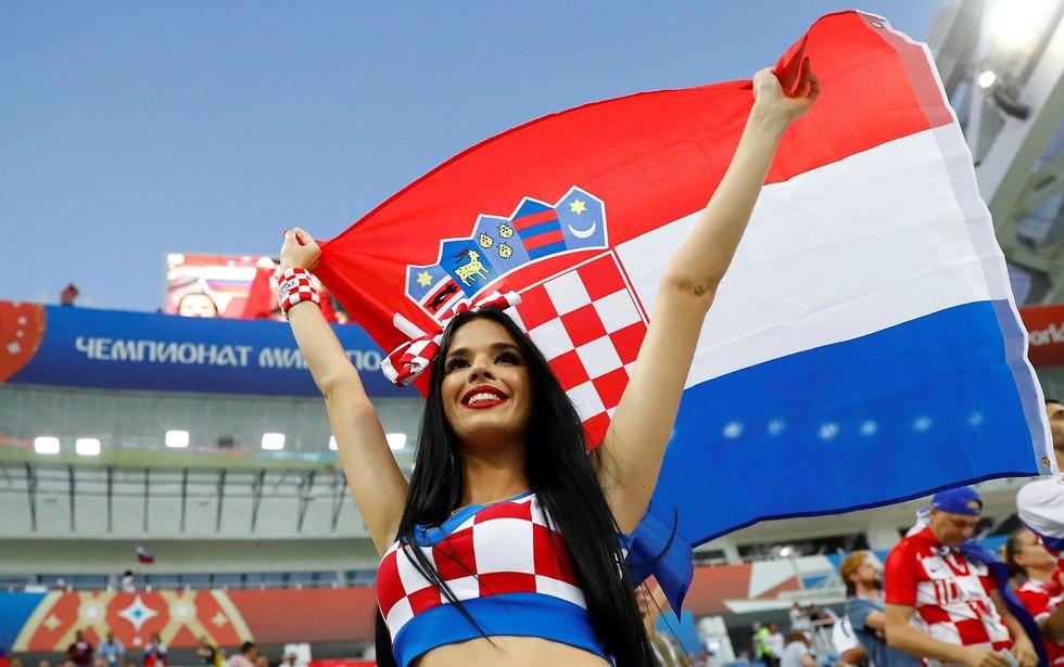 אוהדת נבחרת קרואטיה (צילום: רויטרס)