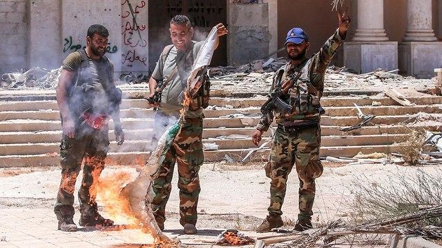 Syrian soldiers near Jordanian border (Photo: AFP)