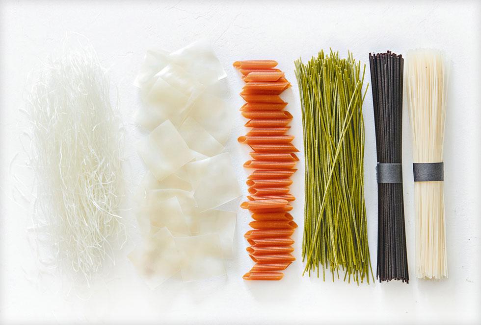 לאכול בלי, להרגיש עם: אטריות אורז, אדממה, עדשים ושעועית (צילום: יוסי סליס, סגנון והכנה: נטשה חיימוביץ')