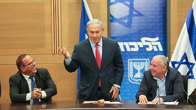 PM Netanyahu during Likud faction meeting (Photo: Amit Shabi)