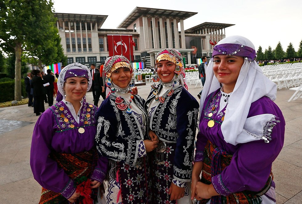 חגיגות בהשבעת רג'פ טאיפ ארדואן לכהונה נוספת (צילום: AP)