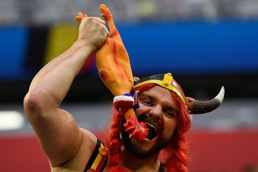 אוהד נבחרת בלגיה (צילום: AFP)