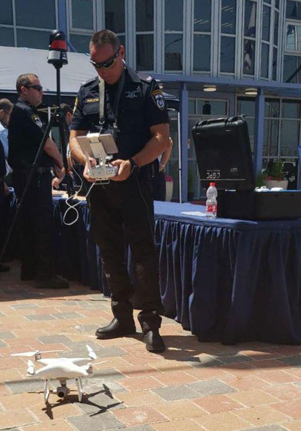 הרחפן המשטרתי החדש (צילום: דוברות המשטרה)