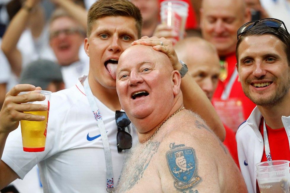 אוהדי נבחרת אנגליה (צילום: רויטרס)