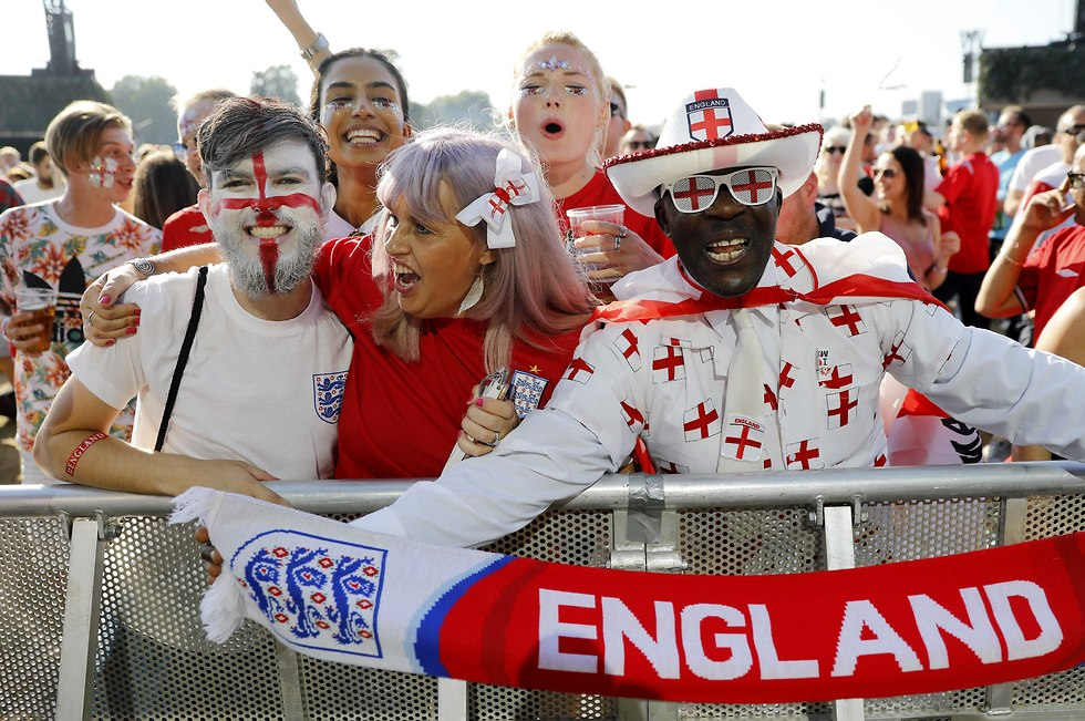 אוהדי נבחרת אנגליה בהייד פארק בלונדון (צילום: AFP)