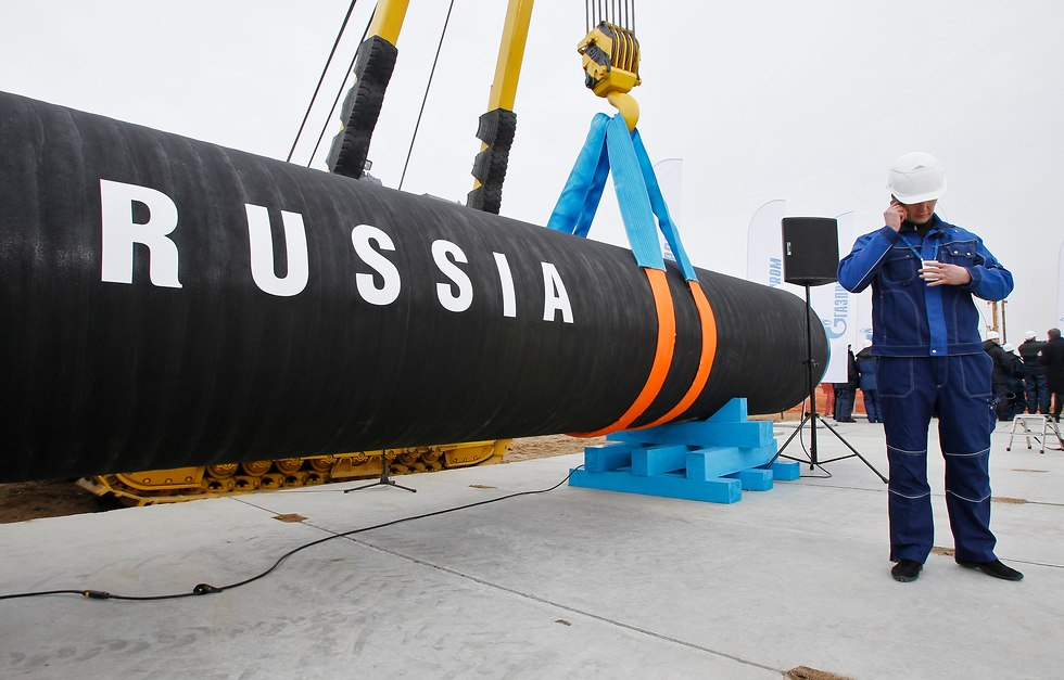 בניית הקו הראשון של צינור הגז הרוסי נורד סטרים, 2010 (צילום: AP)