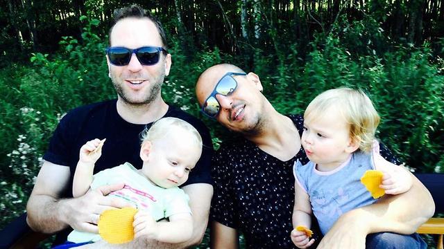 אוהד חיטמן ומשפחתו (צילום: אלבום פרטי)