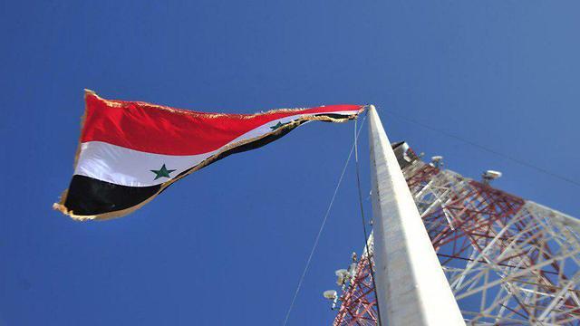 דגלי סוריה בדרעא ()
