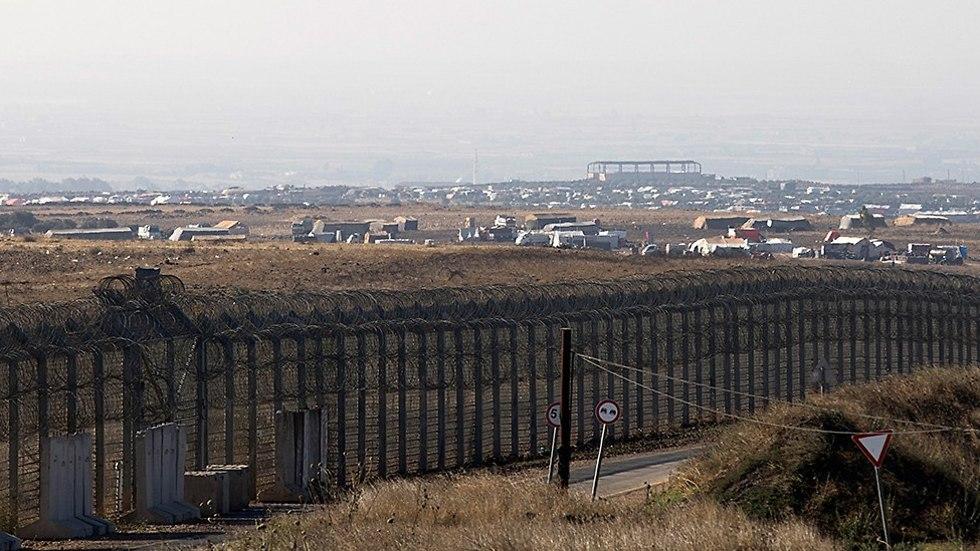 מחנה פליטים סורים ליד גבול ישראל ברמת הגולן (צילום: EPA)