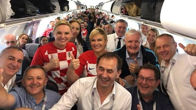 קולינדה גרבר קיטרוביץ' נשיאת קרואטיה מונדיאל מסביב לכדור ()