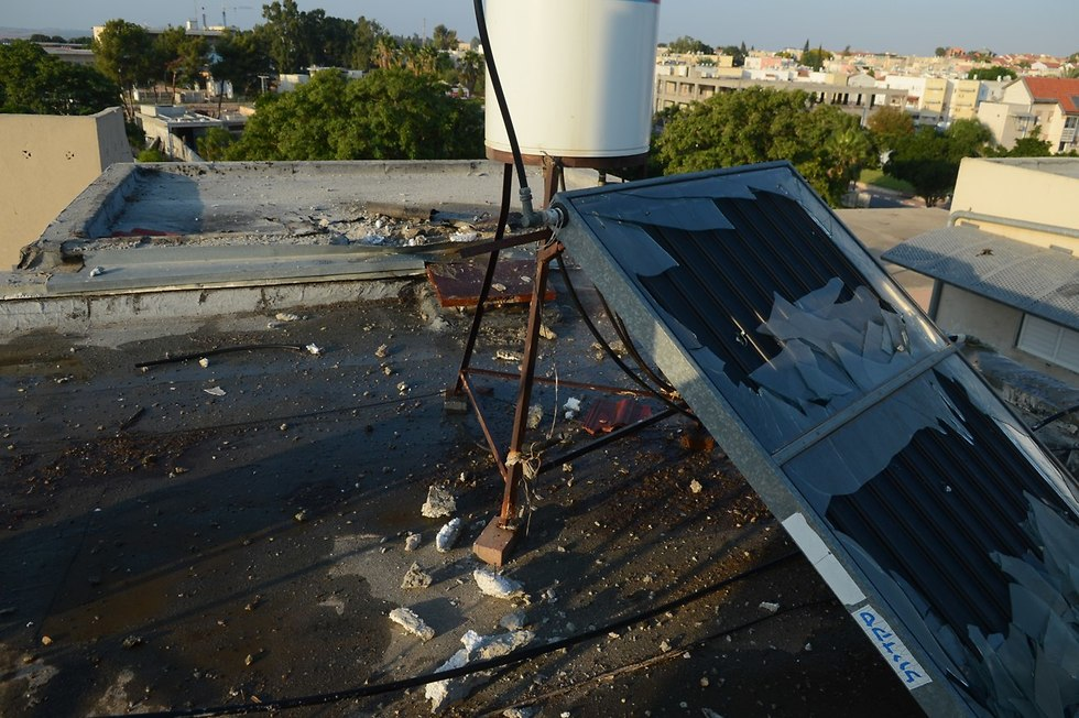 Sderot roof that suffered damage from rocket hit (Photo: Avi Rokach)