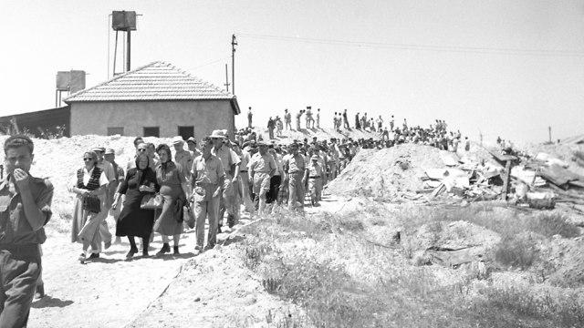 אזכרה ראשונה חללי ניצנים מראה כללי של הישוב 1949 (צילום:  יהודה איזנשטרק, באדיבות ארכיון צה