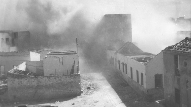 מלחמת העצמאות הריסת מחנה צבאי בריטי ליד ניצנים 1948 (צילום: באדיבות ארכיון צה
