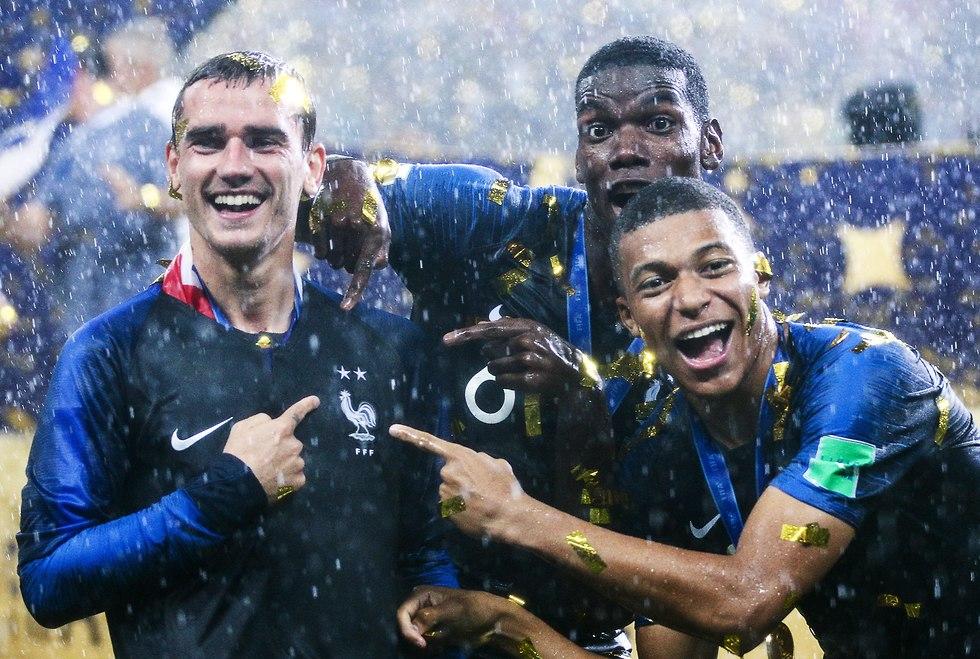 צרפת חוגגת (צילום: MCT)