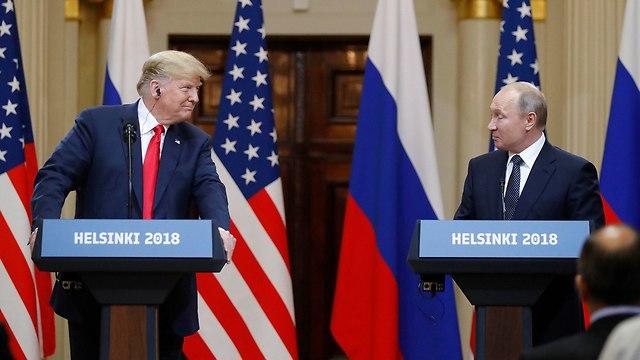 ולדימיר פוטין ו דונלד טראמפ מסיבת עיתונאים (צילום: AP)