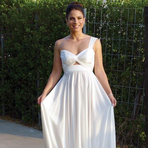 נסלי ברדה בשמלה של ליהי הוד בגזרה אסימטרית (צילום: אמיר מאירי)