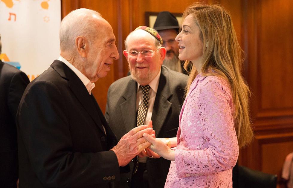 Grayevsky with the late Israeli President Shimon Peres
