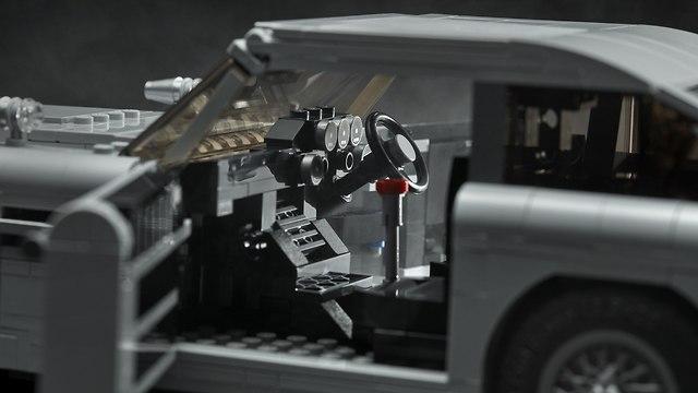 אסטון מרטין DB5 לגו ()