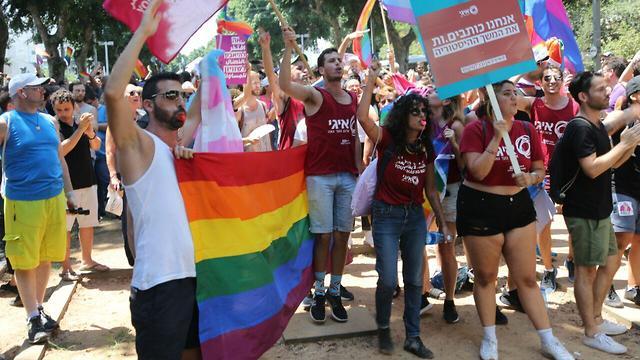 מחאת הקהילה הגאה בתל אביב (צילום: מוטי קמחי)