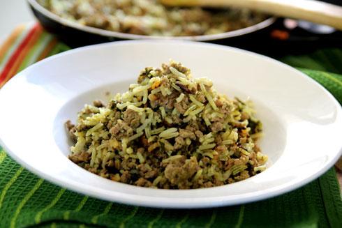 אורז בסמטי עם בשר טחון ותרד (צילום: דפנה אוסטר מיכאל)