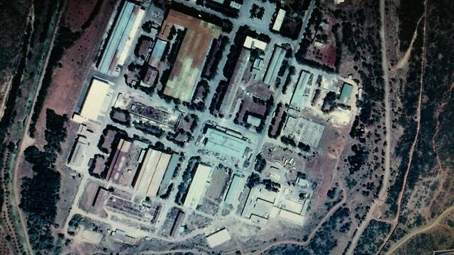 תקיפה  מפעלים ביטחוניים  מסיאף מחוז חאמה סוריה (צילום: אנטלי טיימס)