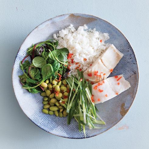 דג אסייתי מאודה עם ירקות ואורז  (צילום: יוסי סליס, סגנון: נטשה חיימוביץ')