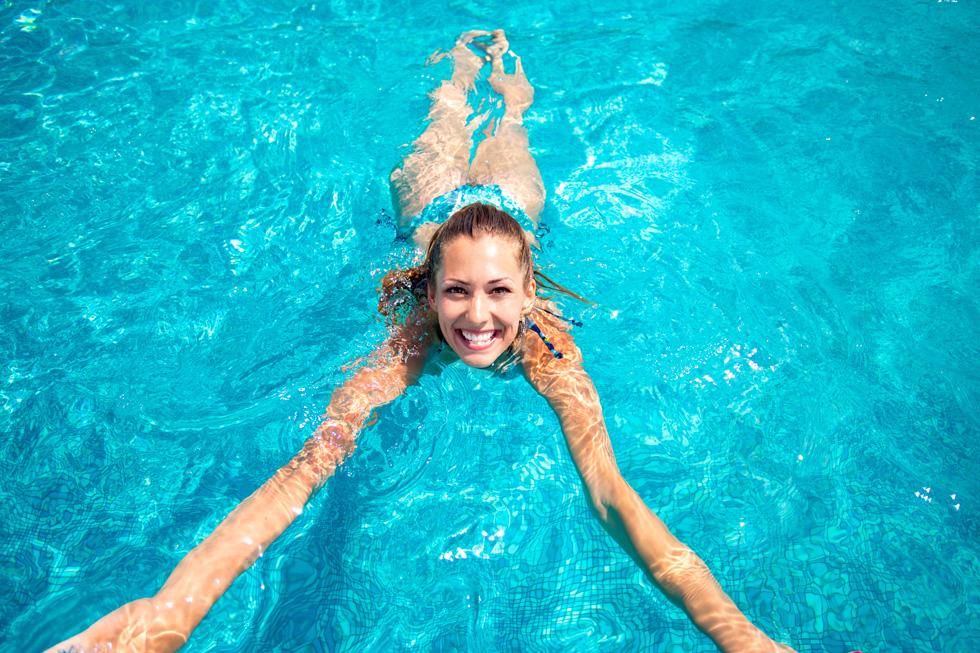נתונים ממחוז תל אביב מגלים שבשנת 2017 נמצאו חיידקים ברמות סיכון ב־35 בריכות שחייה מתוך 167 (צילום: Shutterstock)