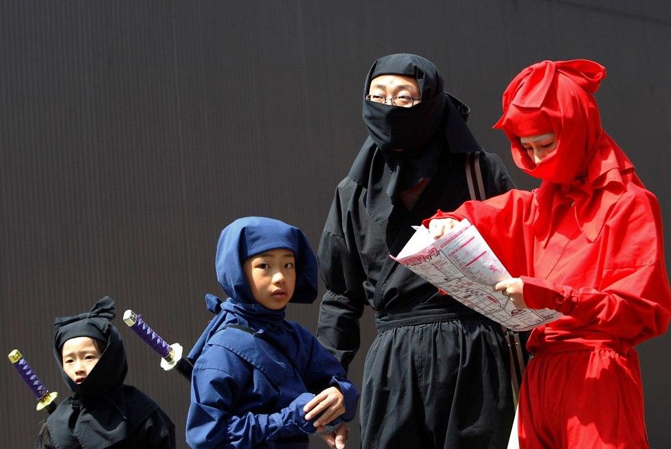 פסטיבל נינג'ות בעיר איגה ב יפן (צילום: רויטרס)