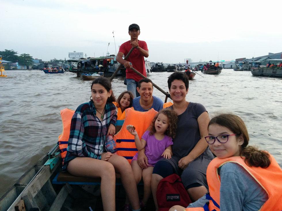 שייט במקונג, הו צ'י מין, וייטנאם (צילום: משפחת מרגלית)