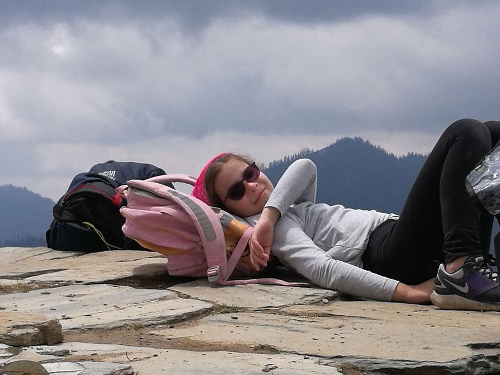 רגע מנוחה של רותם בטרק פון היל (צילום: משפחת מרגלית)