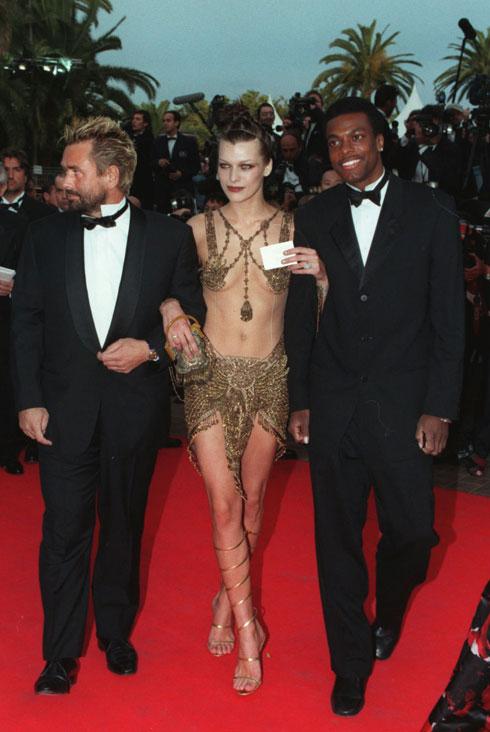 כשהשטיח האדום נפרש בפנייך: יובוביץ' בשיא ההצלחה, 1997 (צילום: AP)