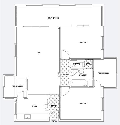 תוכנית הדירה לפני השיפוץ. שני חלקים שביניהם מחברת מרפסת סגורה (תוכנית: באדיבות סטודיו 37)