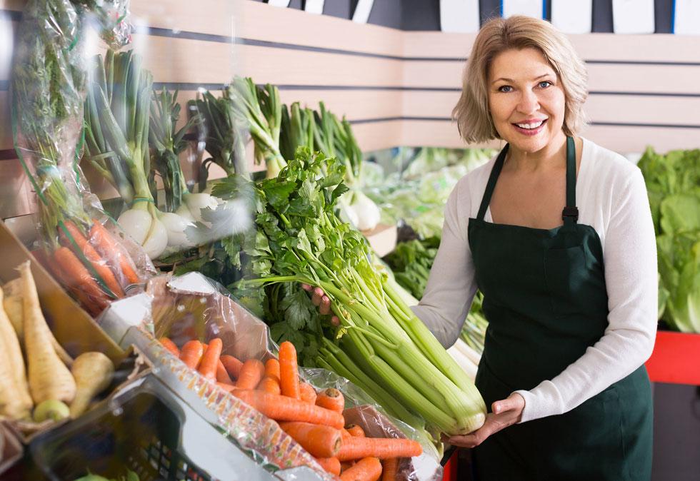 תזונה נכונה חשובה מאוד בגיל המעבר , כמו  בכל שלב בחיים (צילום: Shutterstock)
