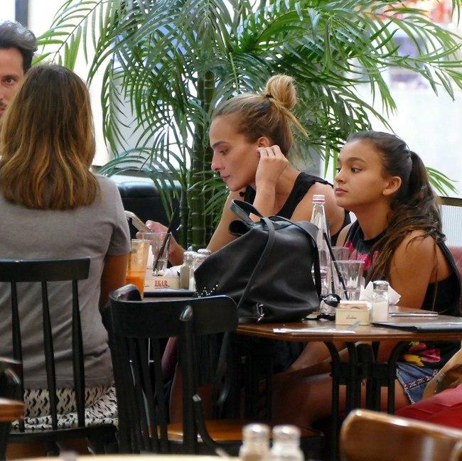 נרגעת אחרי האוכל (צילום: אמיר מאירי)