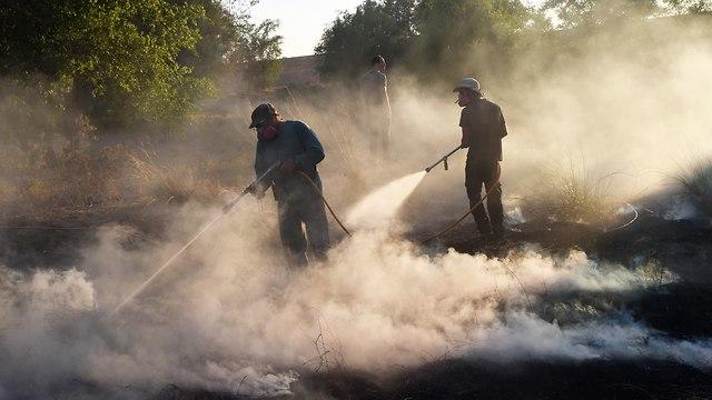 Volunteers in action near Gaza (Photo: Chaim Horenstein)