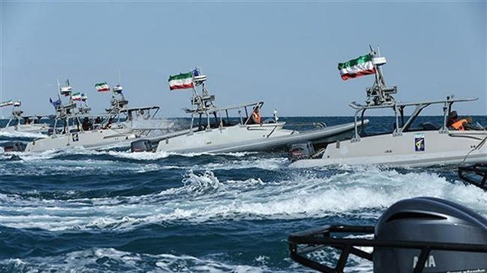 Revolutionary Guards forces in the Persian Gulf (Photo: PressTV)