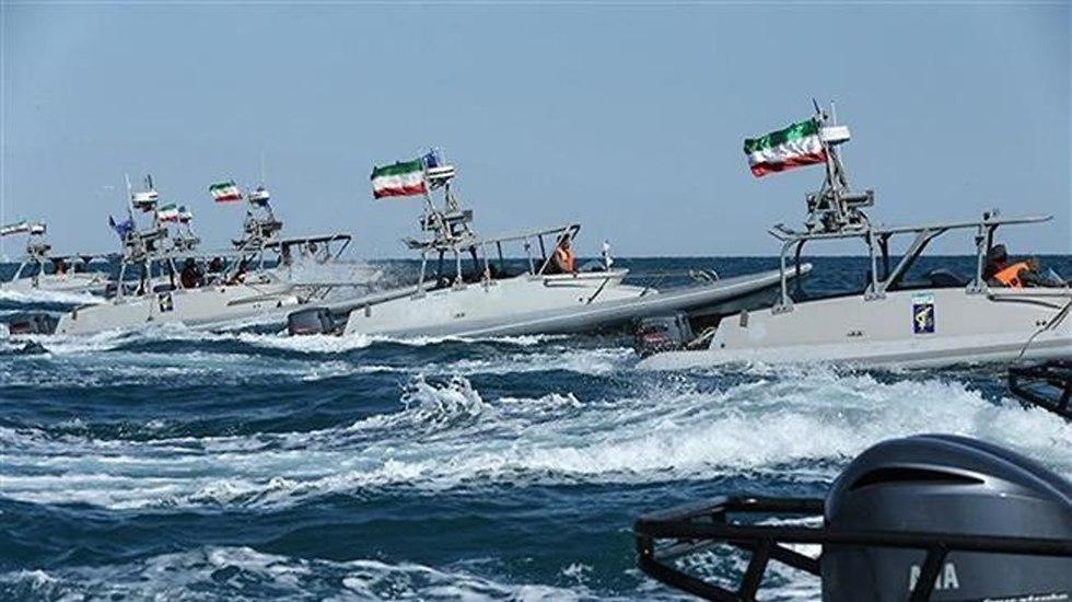 IRGC Navy holds drill in Persian Gulf (Photo: PressTV)