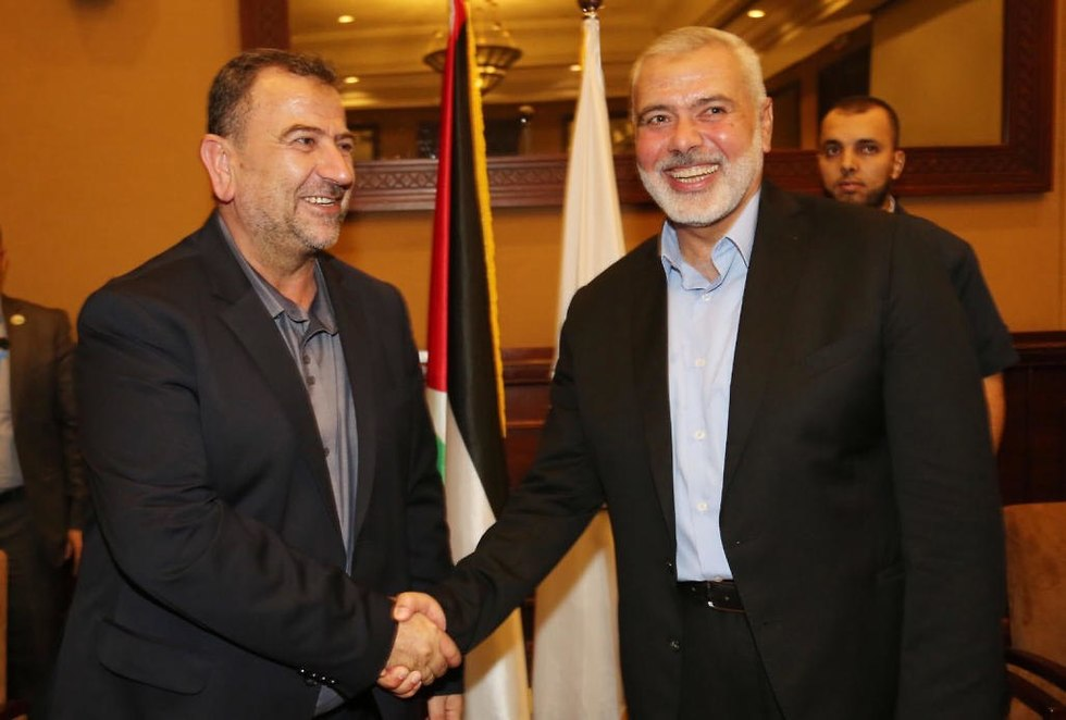 Ismail Haniyeh and al-Arouri (Photo: EPA)