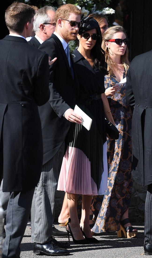 אחלה דרך לחגוג יום הולדת. מייגן מרקל והנסיך הארי בחתונה (צילום: Mega)